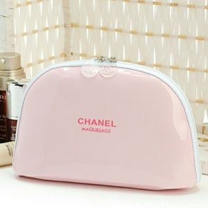 NEW CHANEL VIP Pink Patent Leather Makeup Pouch